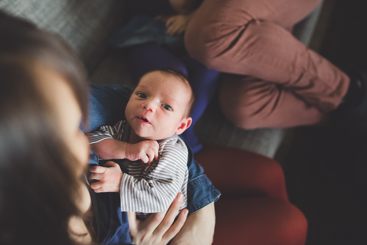 Photographe à domicile pour une séance avec un nouveau-né